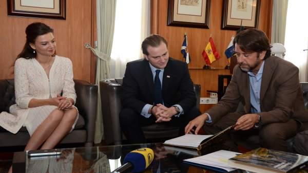 Nota De Prensa Y Fotografía: Príncipes De Georgia Visita