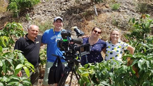 Miembros del Canal 4 británico visitan la finca 'El Pinero' de Almuñécar