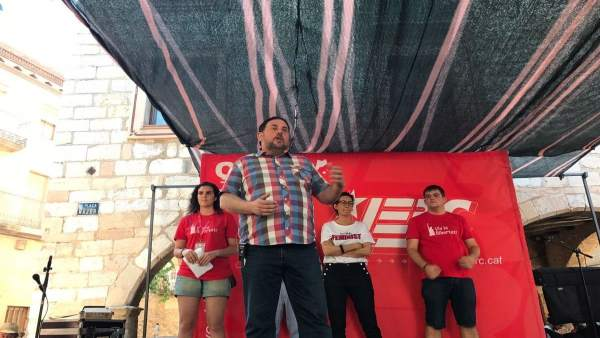 Oriol Junqueras y Marta Rovira en un acto de las JERC en Montblanc