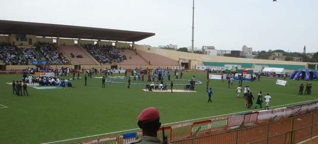 Resultado de imagen para Dakar: Al menos ocho muertos y 49 heridos al ceder un muro en un estadio