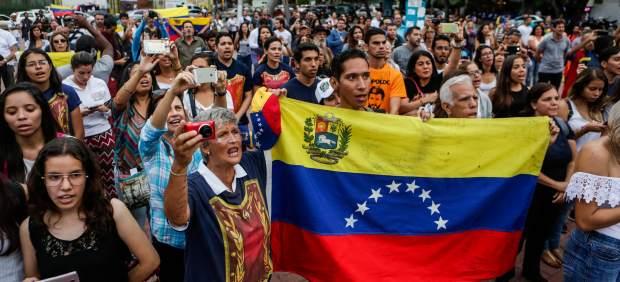 A favor de la consulta popular en Venezuela