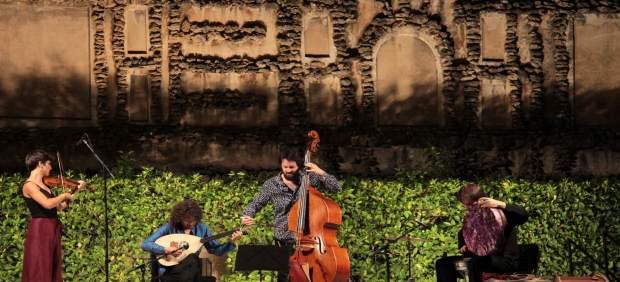 Actuación en las Noches en los Jardines del Alcázar