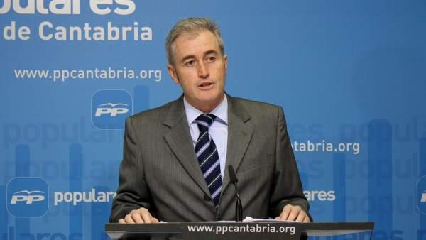 José Manuel Igual, diputado del PP y alcalde de Arnuero