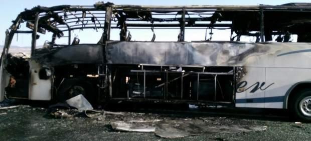 S'incendia un autobús amb 19 passatgers sense causar ferits al costat de la Universitat d'Alacant