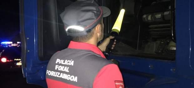 Un agente de Policía Foral.