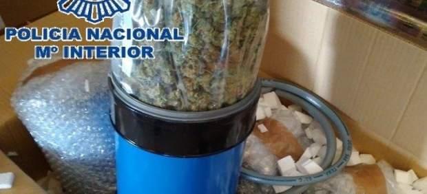 Marihuana oculta en un cilindro
