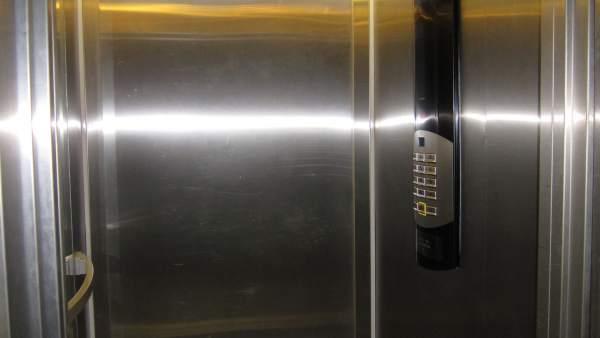 Interior ascensores