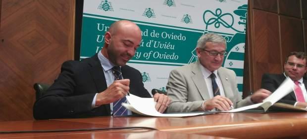 Firma convenio Universidad Oviedo y Axalta.