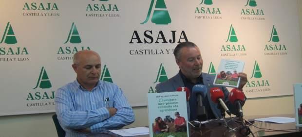 Valladolid. Dujo presenta el libro de Asaja sobre incorporación al campo
