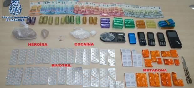 Desmantelado un ptuno de venta de heroína en Santiago.