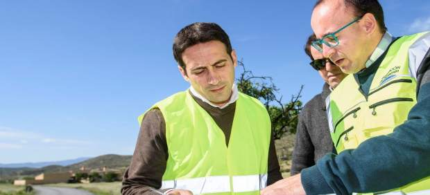 El diputado Óscar Liria ha visitado las obras de conducción en Arboleas.