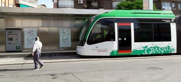 Nota Y Foto/ Los Trenes Del Metro De Granada Aumentan Significativamente La Dist