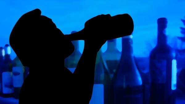 Hostalers de Cullera deixaran de servir alcohol a clients amb símptomes d'embriaguesa