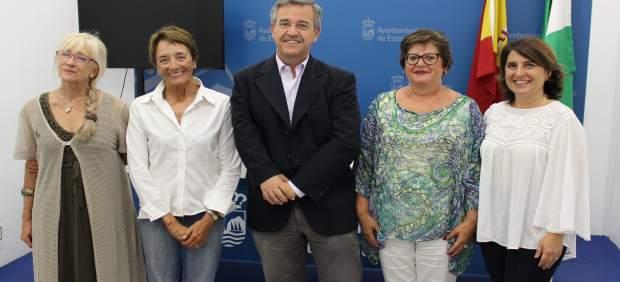 Estepona alcalde garcía urbano con fundación antonia guerrero