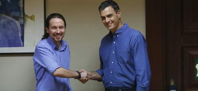 Los líderes de Podemos, Pablo Iglesias y del PSOE, Pedro Sánchez.