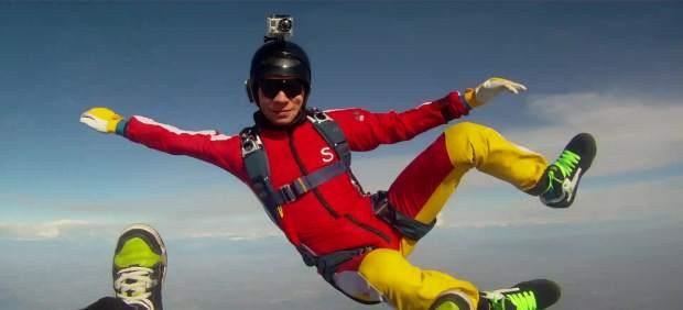 Joven paracaidista se suicida