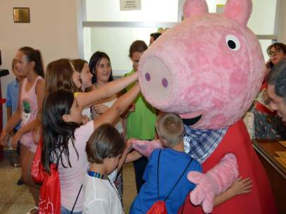 Np Presentacion 'Los Mundos De Peppa Pig Y Ben&Holly'