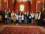 Martiño Noriega recibe a niños saharauis que convivirán con familias en Santiago