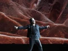 U2 da un concierto sorpresa en el metro de Berlín