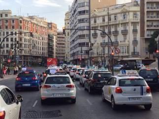 Protesta de las autoescuelas para exigir el fin de la huelga de examinadores