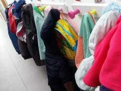Las familias con rentas mínimas se triplican en la preinscripción escolar en Barcelona