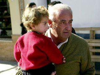 Con su abuelo Humberto