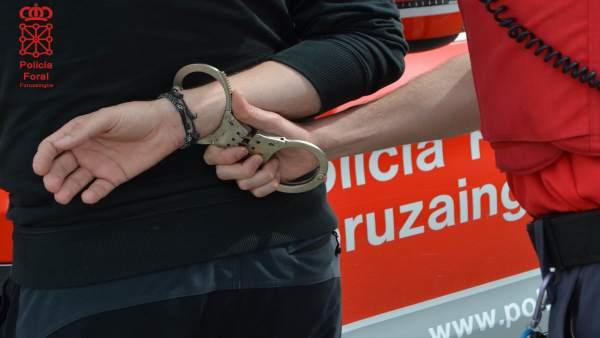 Momento en el que una persona es detenida.