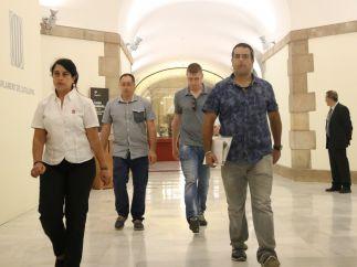 Agentes de la Guardia Civil en el Parlament.