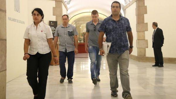 Agentes de la Guardia Civil en el Parlament