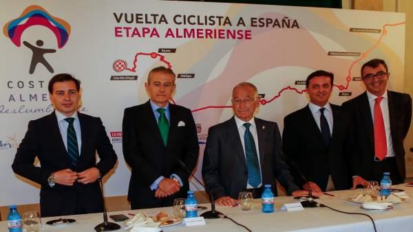 Desayuno informativo para presentar la etapa almeriense de la Vuelta España