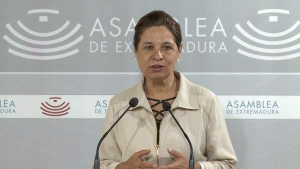 Pilar Blanco-Morales en la rueda de prensa en la Asamblea