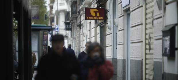 Los estanqueros de Palma devuelven las máquinas de recarga de las tarjetas ciudadanas y critican ...
