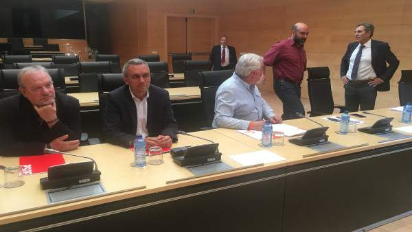 Valladolid.- Momentos previos a la reunión de la Comisión