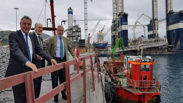 Javier de Andrés y Asier Atutxa en el Puerto de Bilbao