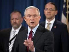 El fiscal general de EE UU no piensa dimitir pese a los ataques de Trump