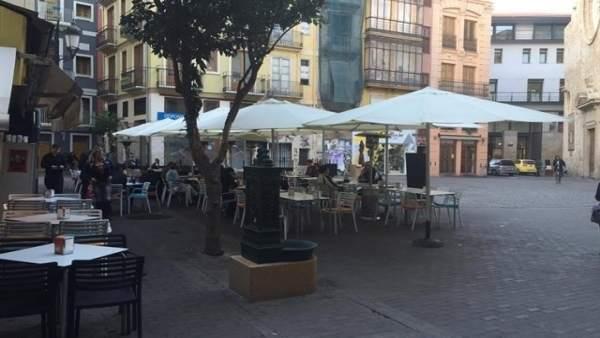 Terrasses de València seran multades amb fins 3.000€ si incomplixen horari i espai i hauran d'arreplegar en mitja hora