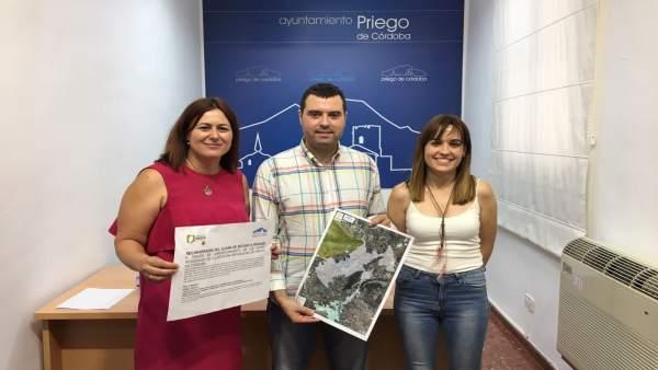 El alcalde de Priego de Córdoba durante la presentación del proyecto