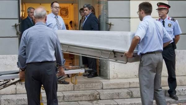 Exhumación de los restos de Dalí