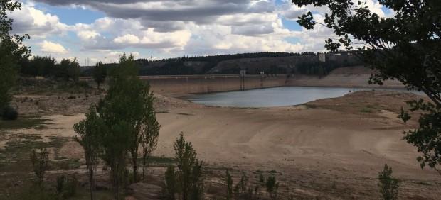 La sequía no solo seca pantanos: también encarece la luz, liquida empleos y borra ingresos ...
