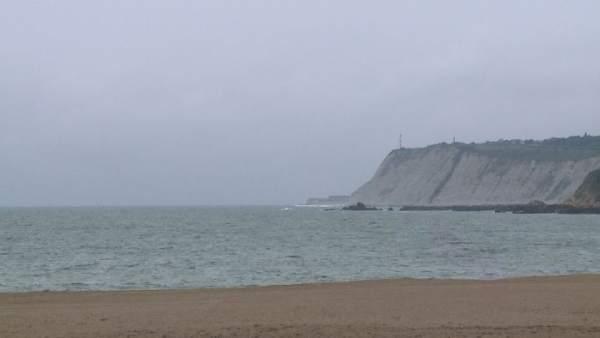 La bandera verde ondea en las arenas ereaga armintza - Temperatura en plentzia ...