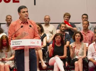"""Pedro Sánchez: """"La crisis territorial no se resuelve con amenazas por tierra, mar y aire"""""""