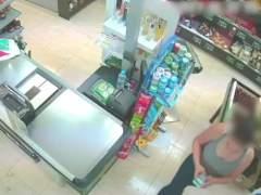 Detenida la cajera de un supermercado como cómplice de un atraco al local