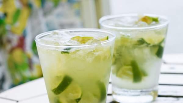 795eb1dbca Recetas rápidas y sencillas de los cócteles más refrescantes para disfrutar  este verano