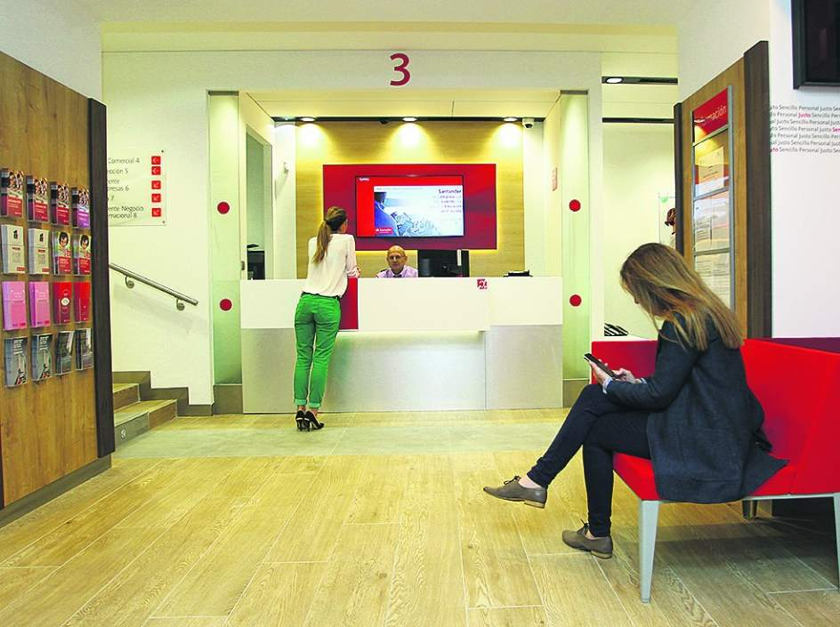 Radiograf a bancaria santander es el banco l der en for Oficines caixabank