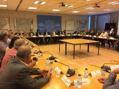 Reunión de Josep Rull y Joaquim Forn con los alcaldes de la N-340