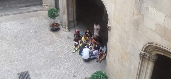 Trabajadores del Bicing entran en el Ayuntamiento de Barcelona