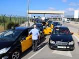 Marcha lenta de taxis en Barcelona.