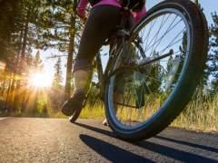 Un ciclista muerto y cuatro heridos por atropello durante el domingo