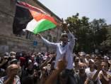 Cientos de palestinos en la Explanada de las Mezquitas de Jerusalén