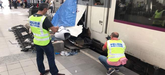 Tren accidentado en la estación de França de Barcelona